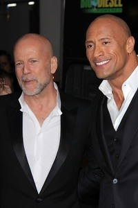 "Bruce Willis und Dwayne ""The Rock"" Johnson"