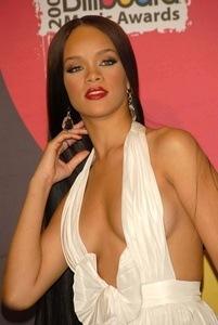 Rihanna Einkommen