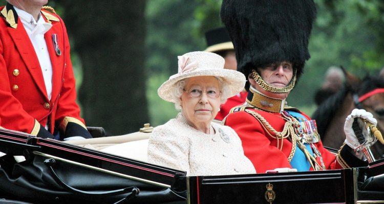 Queen Elizabeth Ii Das Vermögen Der Königin Von Großbritannien
